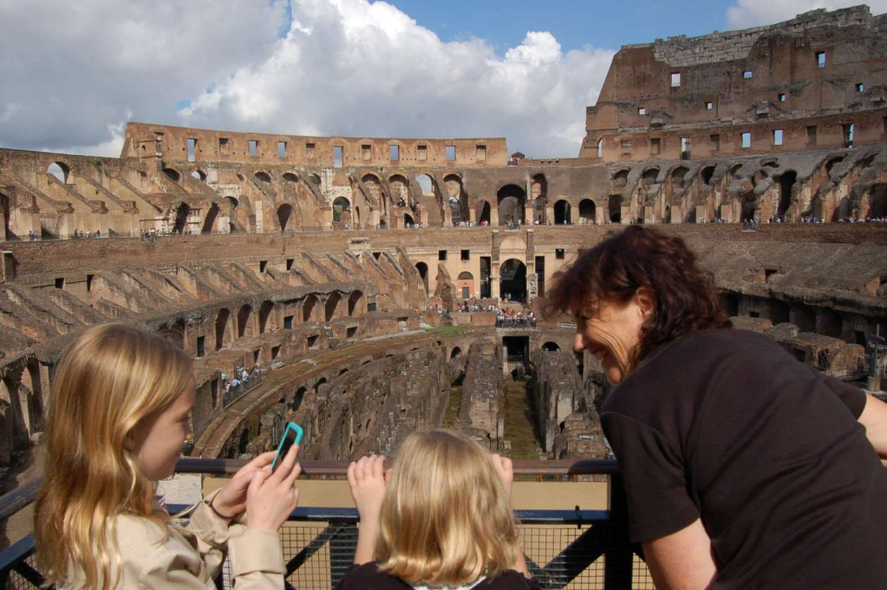 Ancient Rome Tour for Kids: Discovering the Colosseum and Roman Forum