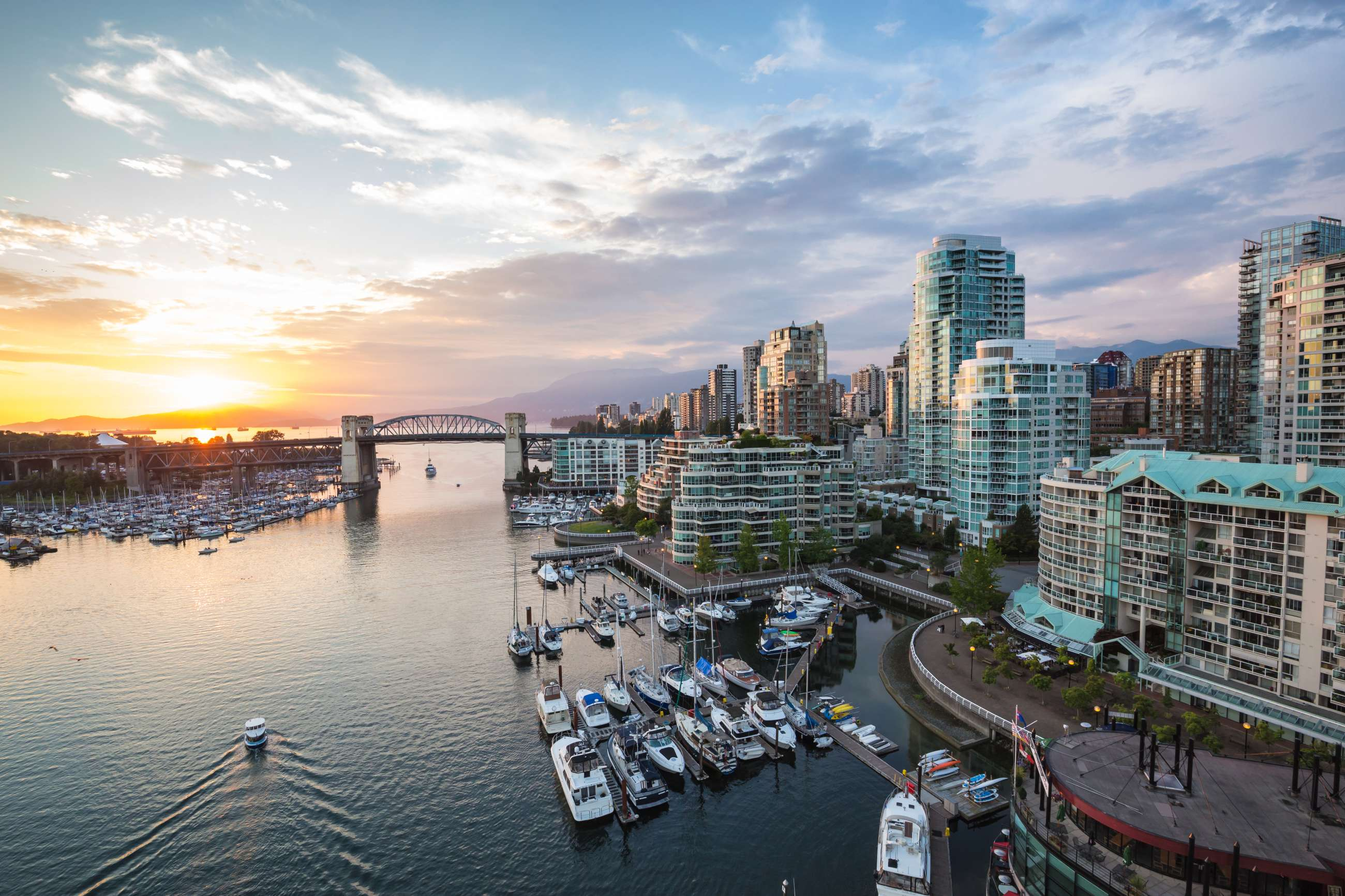Vancouver Private Tours and Vancouver Small Group Tours