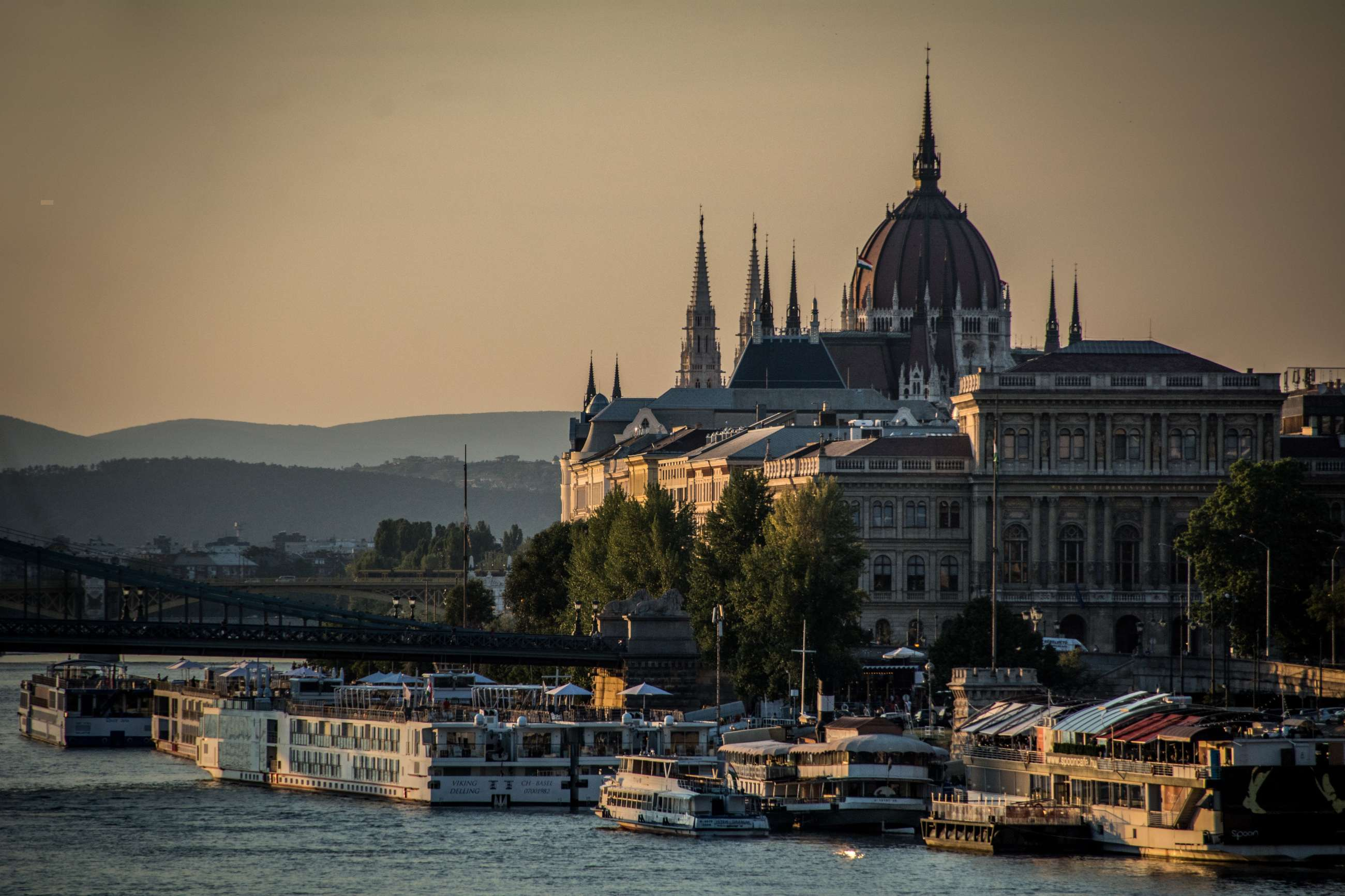 Budapest private tours and Budapest small group tours