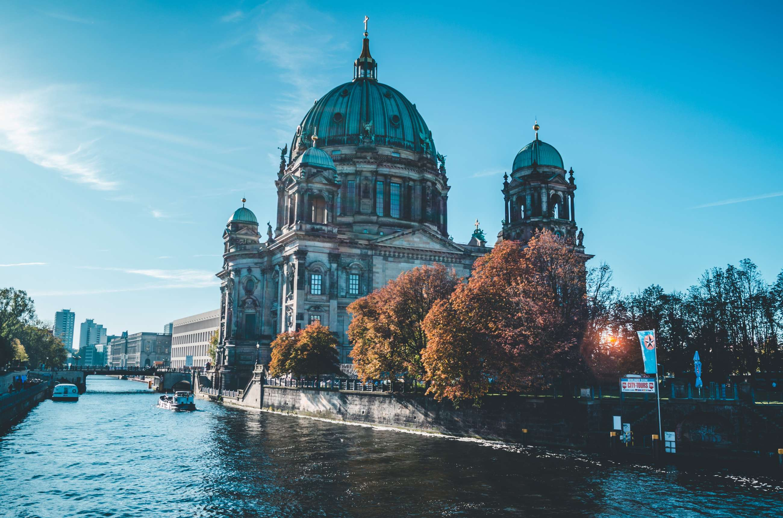Berlin private tours and Berlin small group tours