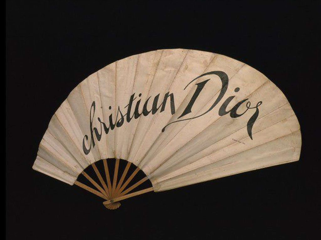 Christian Dior fan at Victoria & Albert Museum